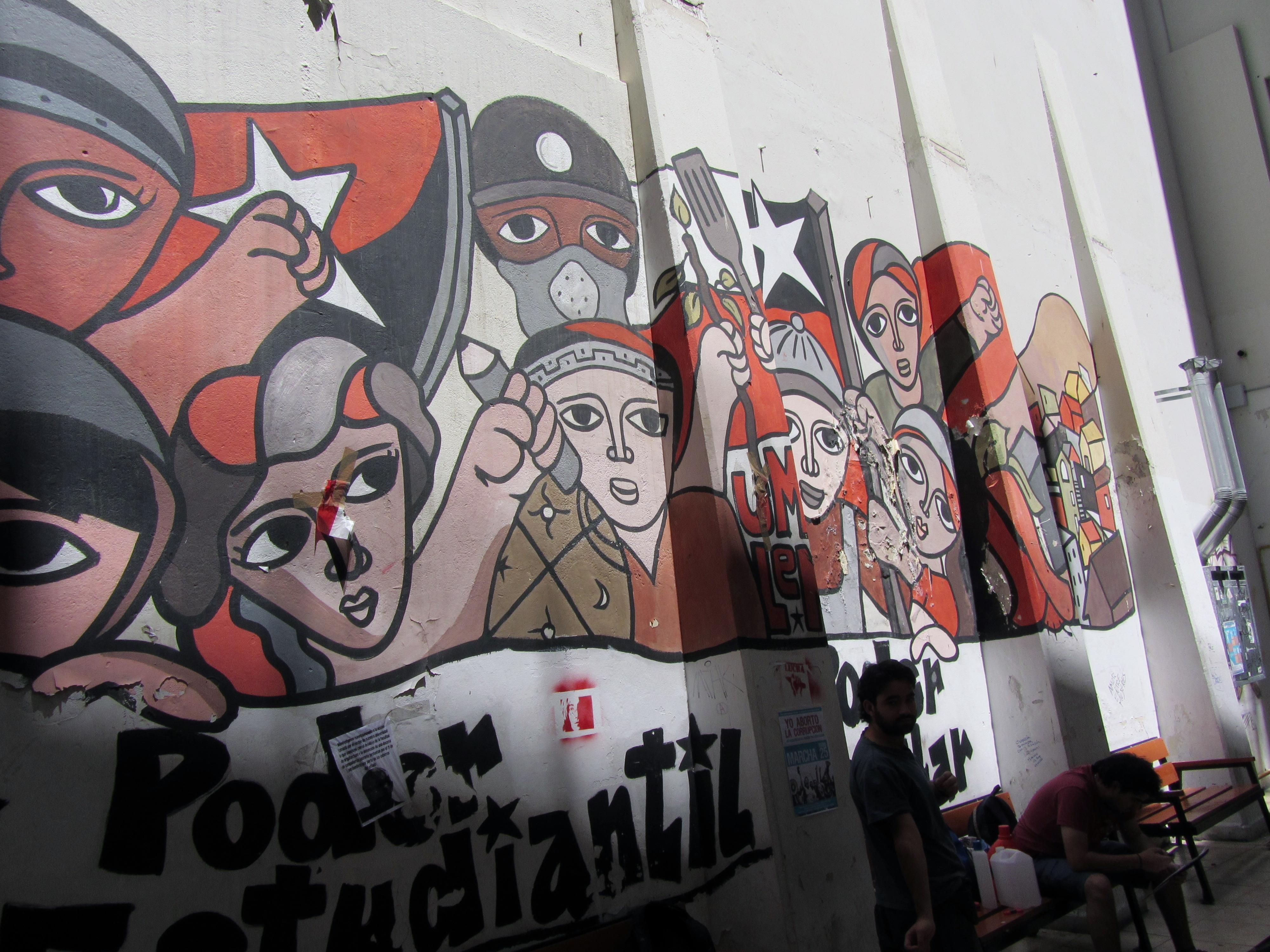 Grafiti pintado por las Unidades Muralistas Luchador Ernesto Miranda (UMLEM) de Chile el sábado 4 de junio de 2011