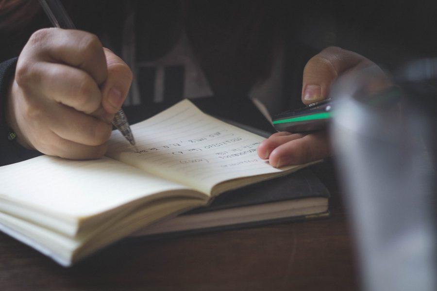Seis ejemplos de educación pública en países comos Bolivia, Brasil, Cuba y Ecuador demuestran que la educación pública funciona. El texto reúne las conclusiones sobre el estudio y trae los links para consultarlo en inglés y profundizar en la tematica.