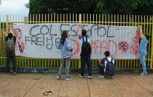 Uma das escolas ocupadas por alunos de Goiás