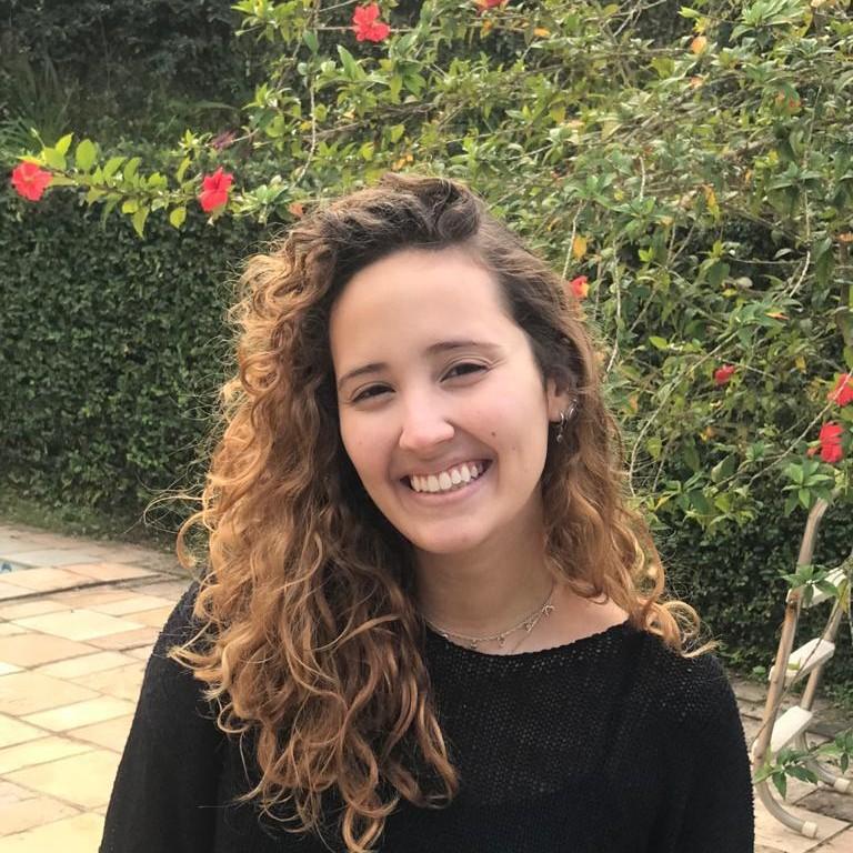 Júlia Lippai - Project management intern