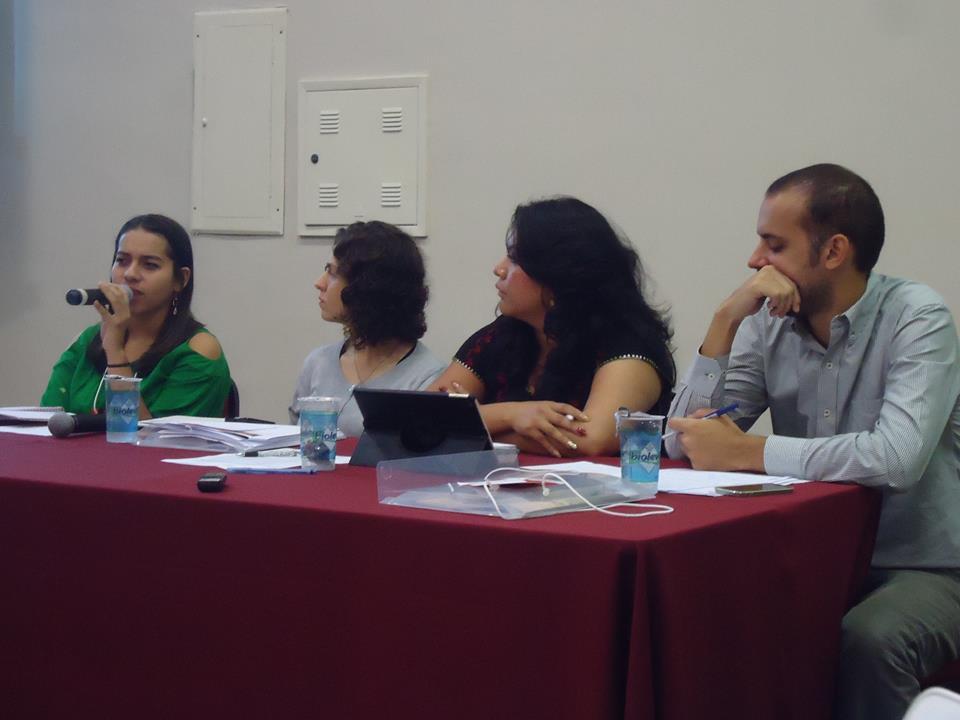Mesa de diálogos con Rafael Custodio, coordinador del programa de Justicia de la Organización Conectas Derechos Humanos, Brenda Fraga Gutiérrez, diputada del Congreso del Estado de Michoacán de Ocampo en México, y Allison Nicolle Rosales, estudiante de secundaria en Honduras, y Laura Giannecchini, Coordinadora de Desarrollo Institucional de la CLADE, como moderadora.