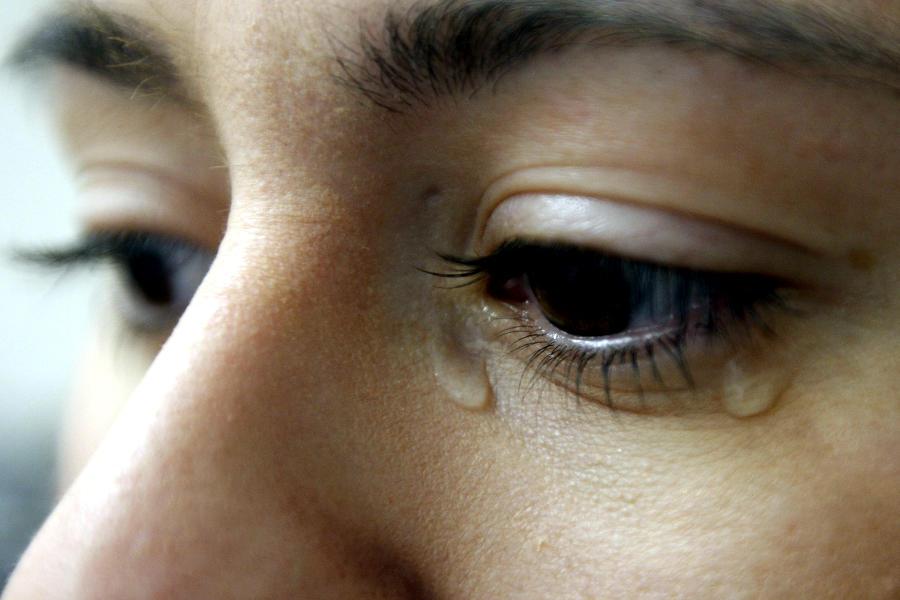 Foto de ojos llorando